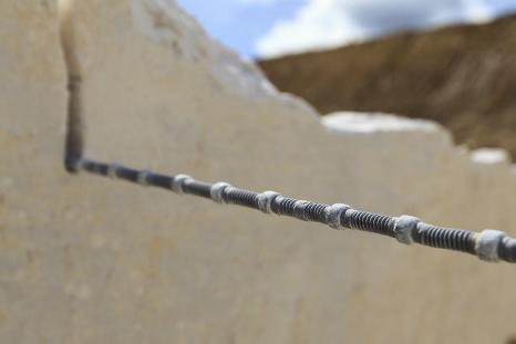 Découpe au câble diamanté