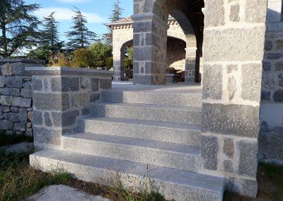 Escalier en pierre de Labeaume
