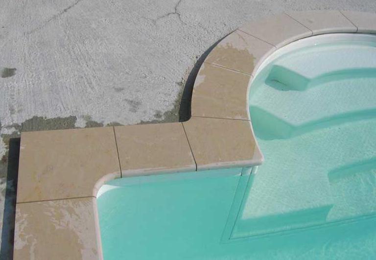 margelles piscine Champdor